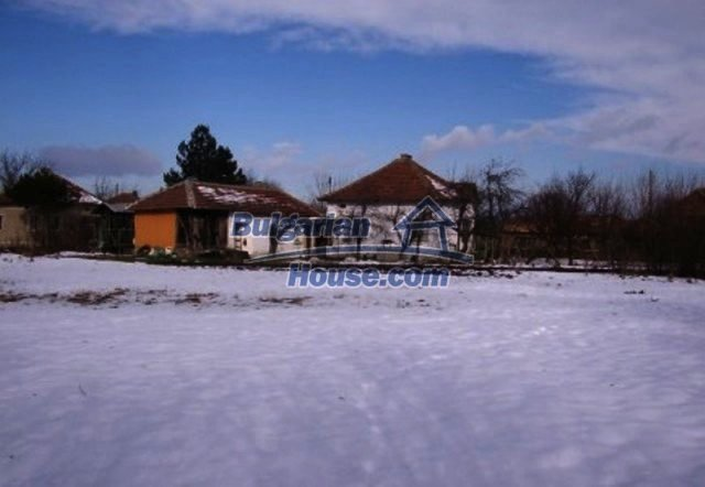 12164:1 - Functional house with vast sunny garden at low price - Vratsa
