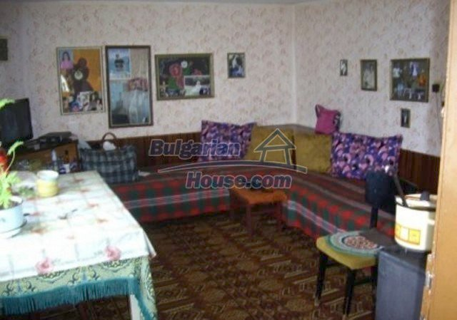 12164:11 - Functional house with vast sunny garden at low price - Vratsa