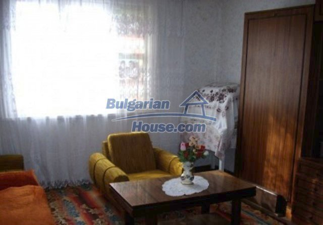 12164:8 - Functional house with vast sunny garden at low price - Vratsa