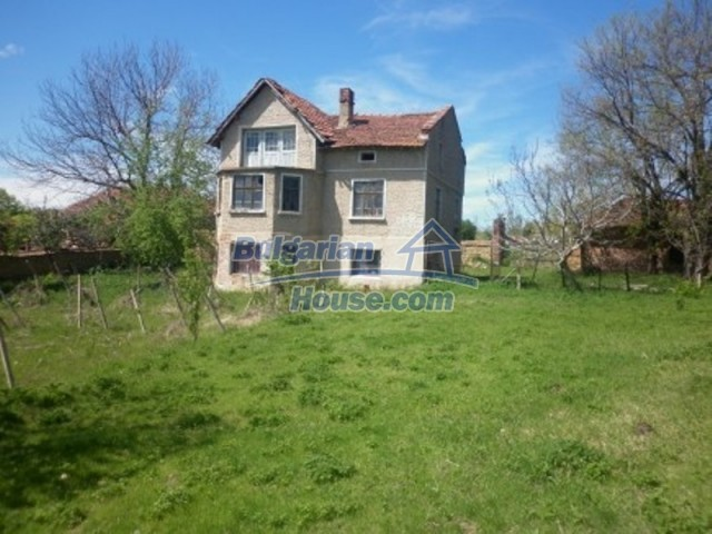 12165:1 - Low-priced house with garden and lovely scenery - Vratsa