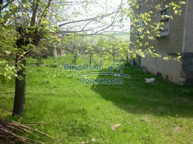 12165:11 - Low-priced house with garden and lovely scenery - Vratsa