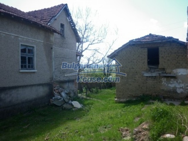 12165:10 - Low-priced house with garden and lovely scenery - Vratsa