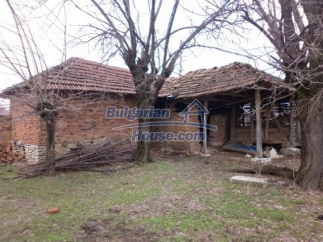 12165:16 - Low-priced house with garden and lovely scenery - Vratsa