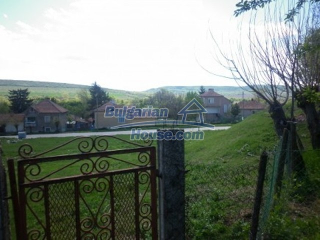 12165:22 - Low-priced house with garden and lovely scenery - Vratsa