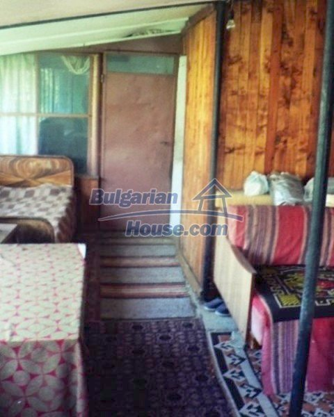 12178:6 - Cheap solid property with nice garden near Montana