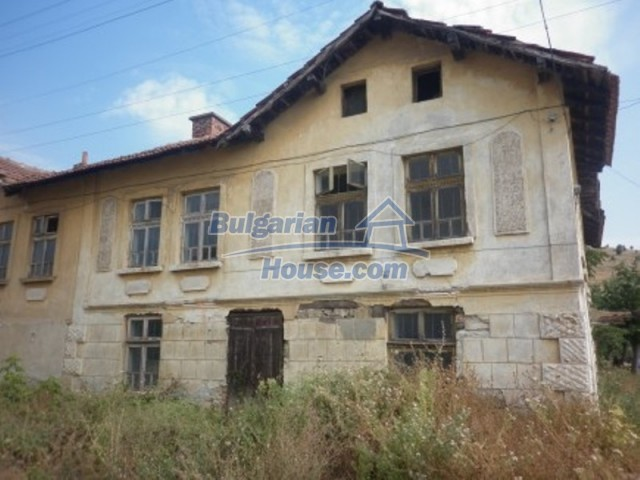 12186:3 - Cheap house with interesting architecture and location - Vratsa