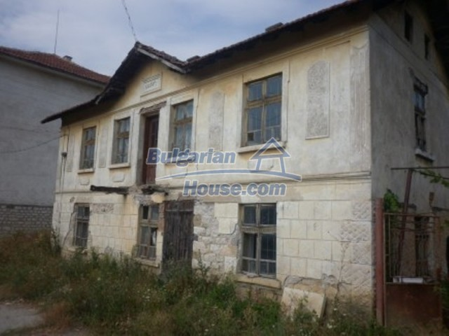 12186:4 - Cheap house with interesting architecture and location - Vratsa