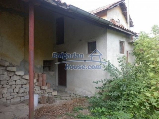 12186:6 - Cheap house with interesting architecture and location - Vratsa