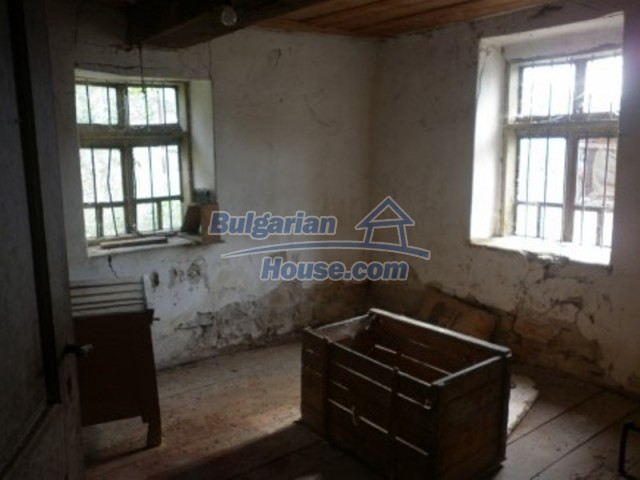 12186:7 - Cheap house with interesting architecture and location - Vratsa