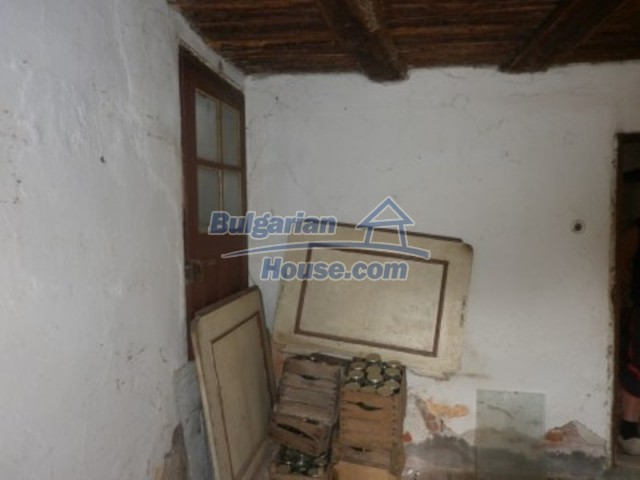12186:13 - Cheap house with interesting architecture and location - Vratsa