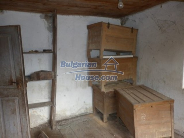 12186:8 - Cheap house with interesting architecture and location - Vratsa