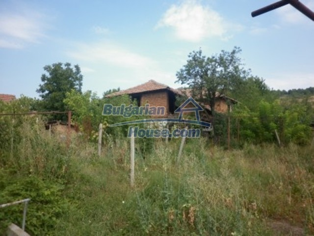 12186:15 - Cheap house with interesting architecture and location - Vratsa
