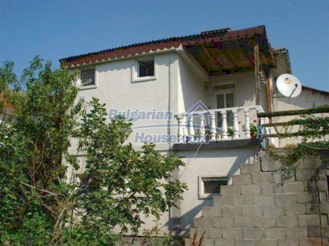 12189:1 - Wonderful large Bulgarian house in Elhovo town