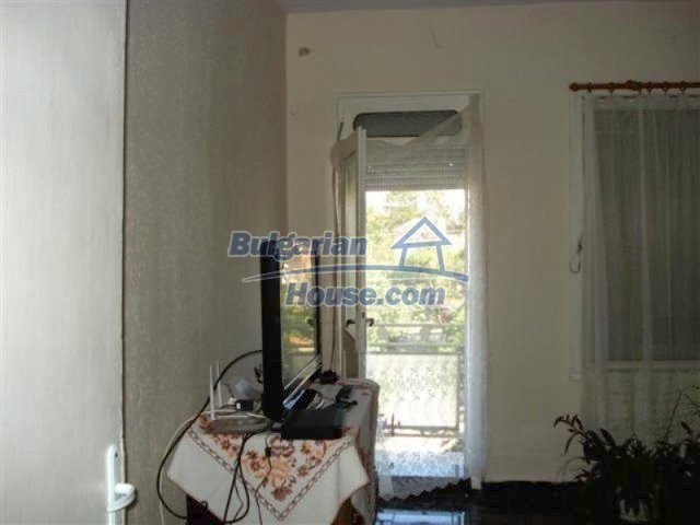 12189:10 - Wonderful large Bulgarian house in Elhovo town