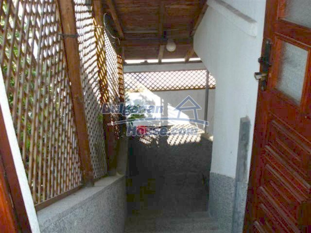 12189:16 - Wonderful large Bulgarian house in Elhovo town
