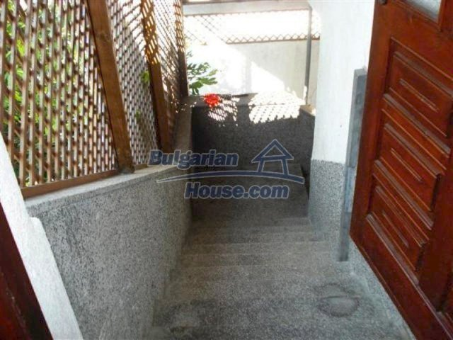 12189:17 - Wonderful large Bulgarian house in Elhovo town