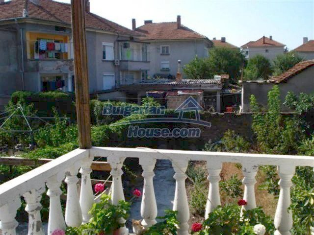 12189:18 - Wonderful large Bulgarian house in Elhovo town