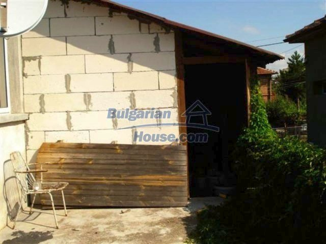 12189:23 - Wonderful large Bulgarian house in Elhovo town