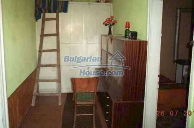 12191:11 - Cheap house in hilly scenic area near Brezovo - Plovdiv