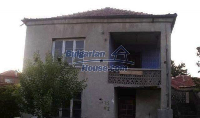 12192:1 - Solid and very cheap house in Plovdiv region
