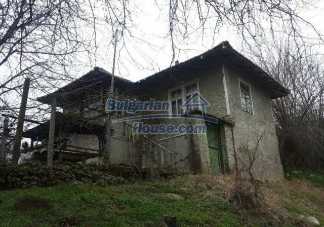 12209:1 - Cheap completed house with huge garden near Razgrad