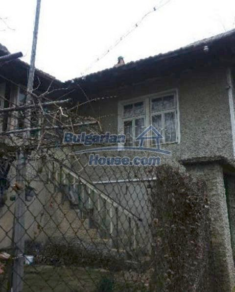 12209:9 - Cheap completed house with huge garden near Razgrad
