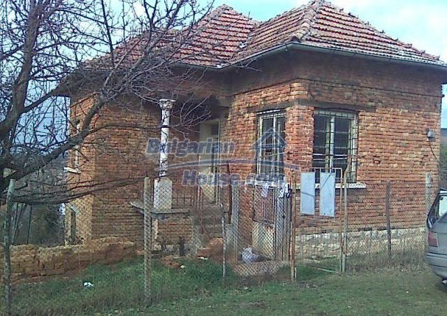 12215:1 - Well disposed and cheap rural house near Vratsa – nice view