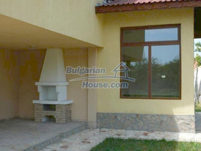 12216:15 - Fantastic completed house 3 km from the beach near Albena