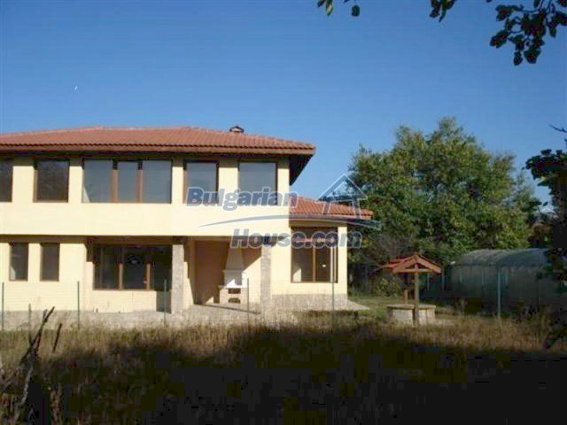 12216:28 - Fantastic completed house 3 km from the beach near Albena
