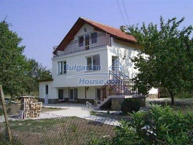 12218:1 - Large well presented seaside house in Varna region