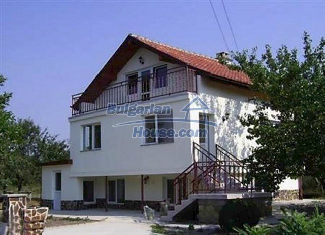 12218:2 - Large well presented seaside house in Varna region