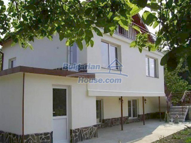 12218:6 - Large well presented seaside house in Varna region