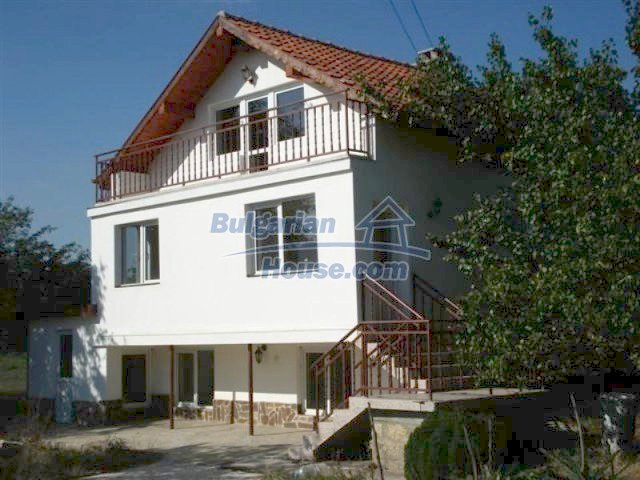 12218:11 - Large well presented seaside house in Varna region
