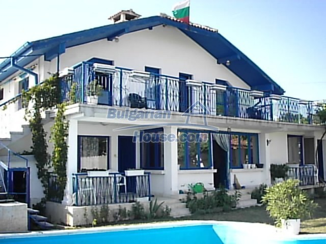 12220:2 - Gorgeous Bulgarian house with swimming pool in Byala