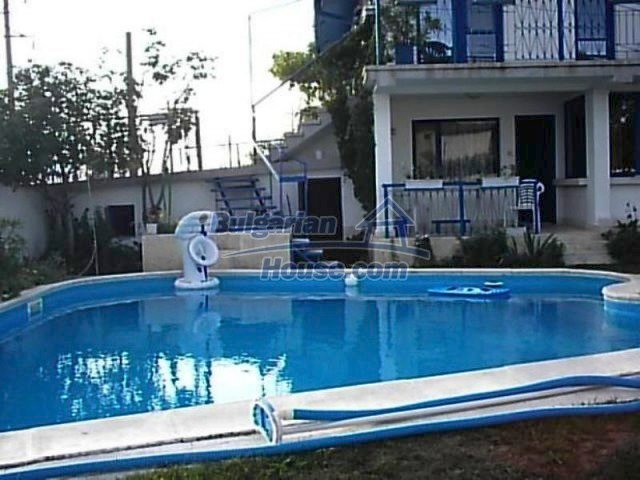 12220:3 - Gorgeous Bulgarian house with swimming pool in Byala