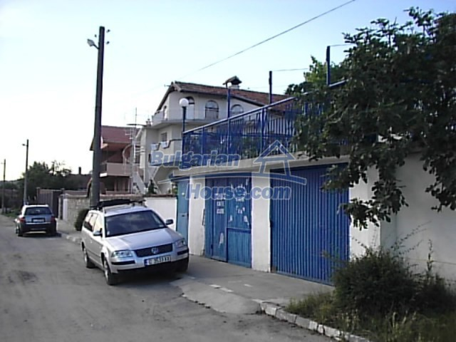 12220:10 - Gorgeous Bulgarian house with swimming pool in Byala