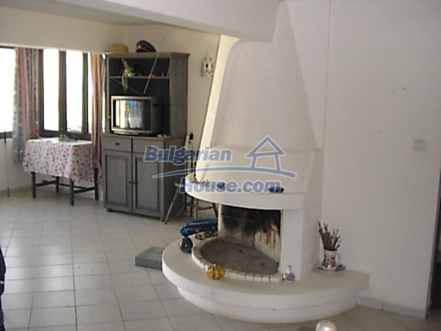 12220:16 - Gorgeous Bulgarian house with swimming pool in Byala