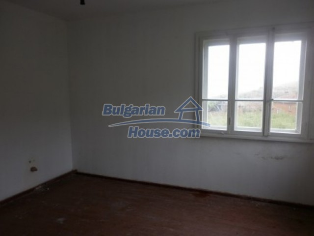12221:10 - Charming cheap house near Danube River in Vratsa region