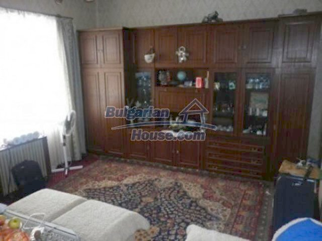 12226:17 - Two nice houses and large landscaped garden near Vratsa