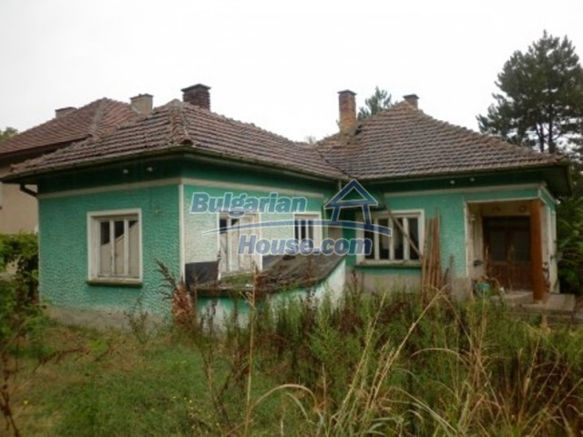 12238:1 - Functional low-priced house on Danube River – Vratsa region