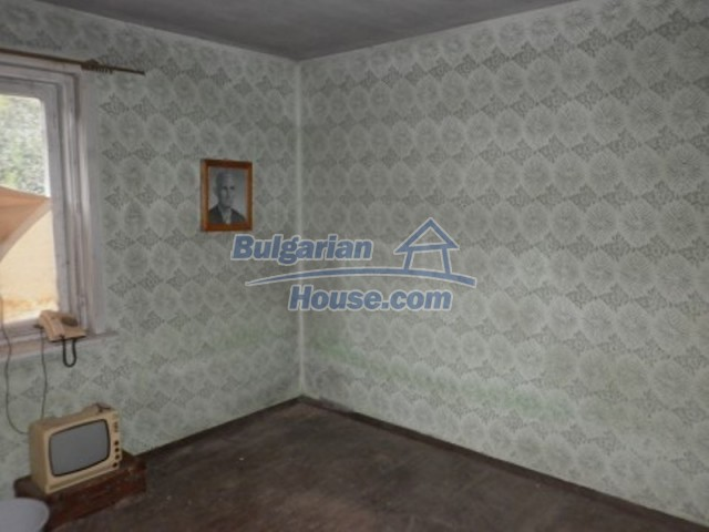 12238:7 - Functional low-priced house on Danube River – Vratsa region