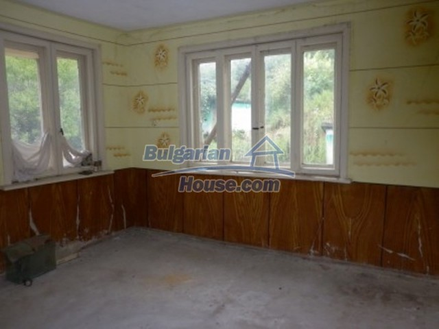 12238:10 - Functional low-priced house on Danube River – Vratsa region