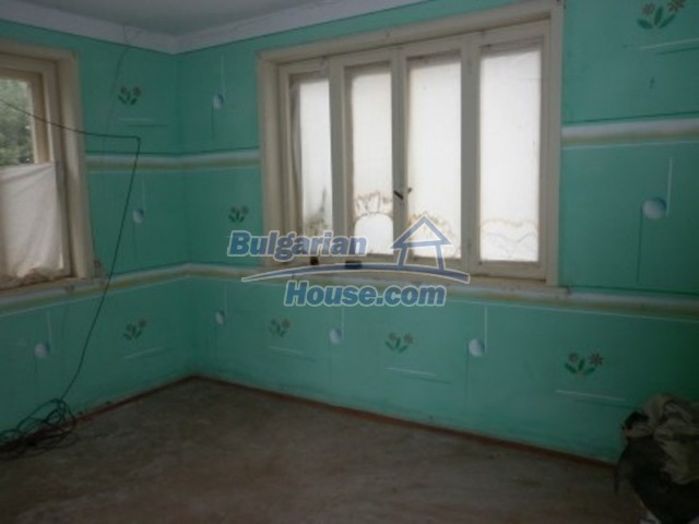 12238:15 - Functional low-priced house on Danube River – Vratsa region