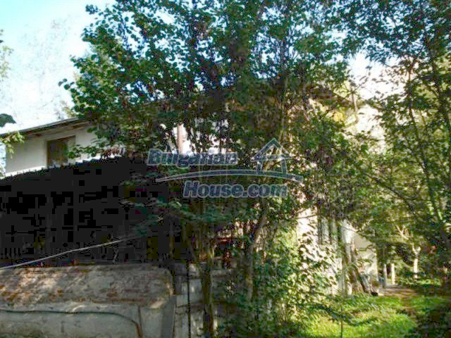 12242:3 - Large attractive house with landscaped garden in Elhovo town
