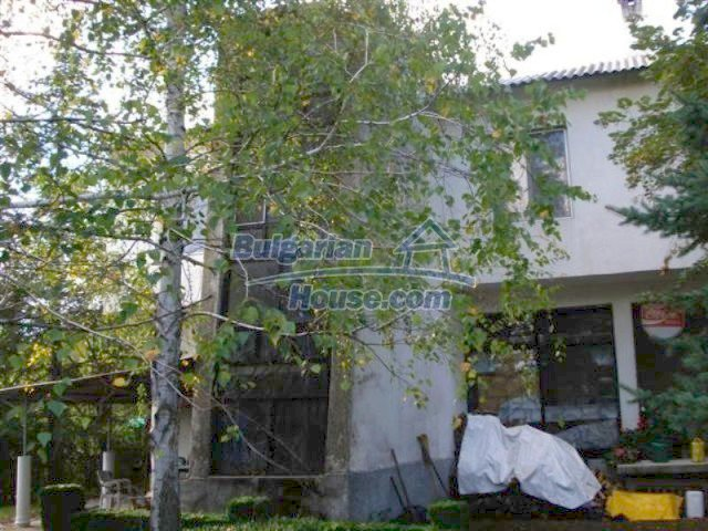 12242:6 - Large attractive house with landscaped garden in Elhovo town