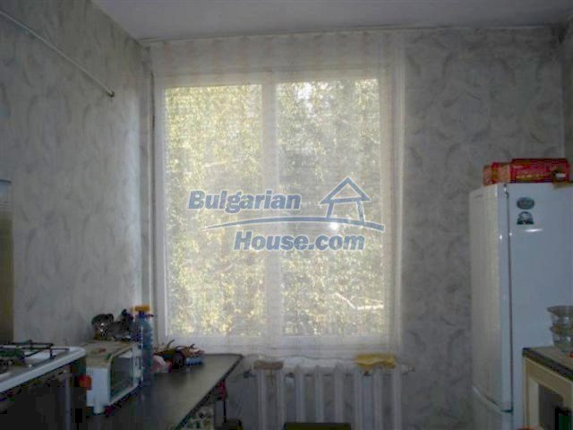 12242:16 - Large attractive house with landscaped garden in Elhovo town