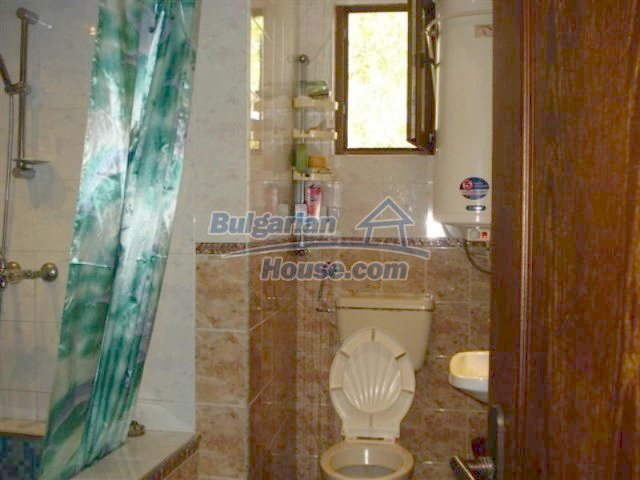 12242:17 - Large attractive house with landscaped garden in Elhovo town