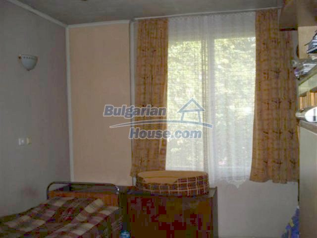 12242:21 - Large attractive house with landscaped garden in Elhovo town
