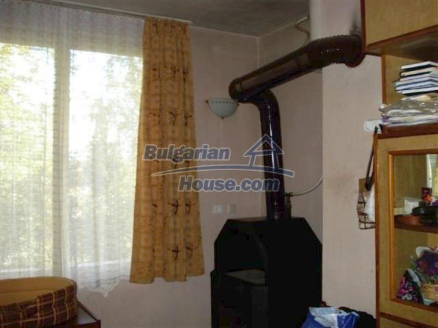 12242:22 - Large attractive house with landscaped garden in Elhovo town