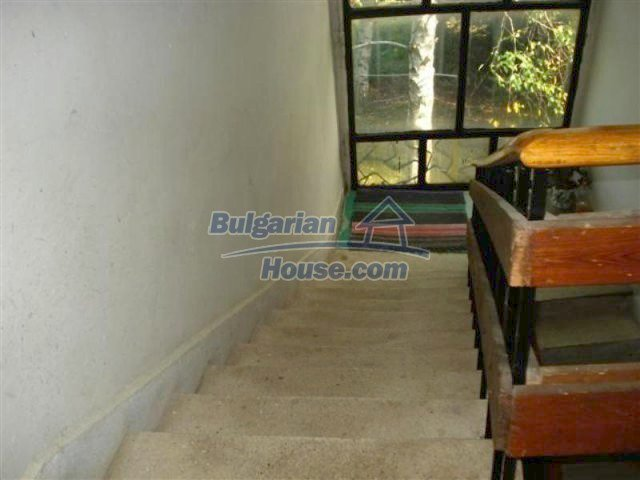 12242:24 - Large attractive house with landscaped garden in Elhovo town